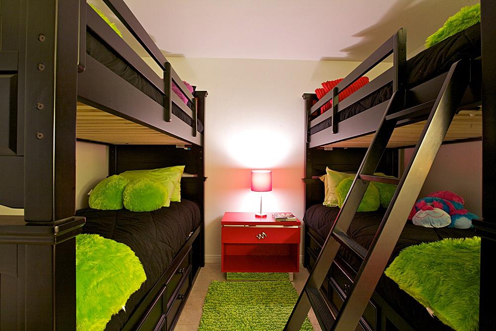 lori_tiedeman_interiors_palm_springs_interior_designer_bunk_beds